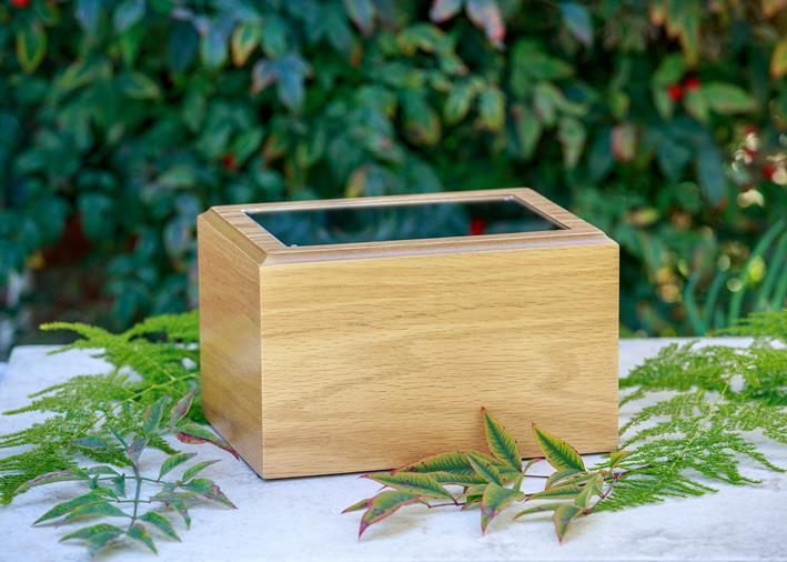 red oak photo urn